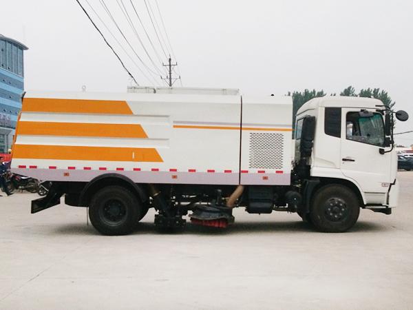 东风天锦干扫车 程力威牌CLW5162TSLD5型扫路车