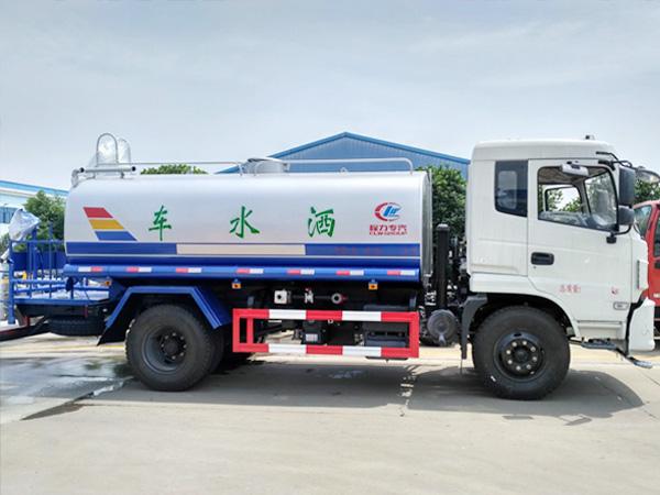 10方新款东风专底洒水车 CLW5165GPST5型绿化喷洒车