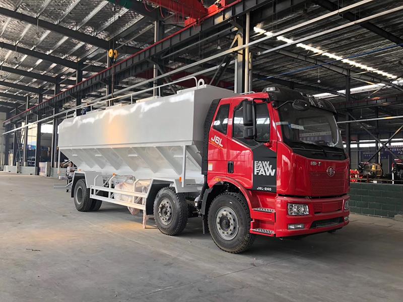 解放15吨散装饲料运输车